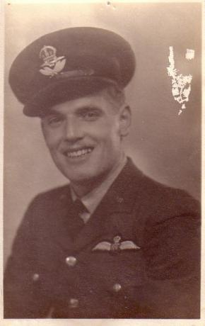 P/O Colin Curtis, 101 Squadron, January 1942. Royal Air Force Volunteer Reserve, Bomber Command